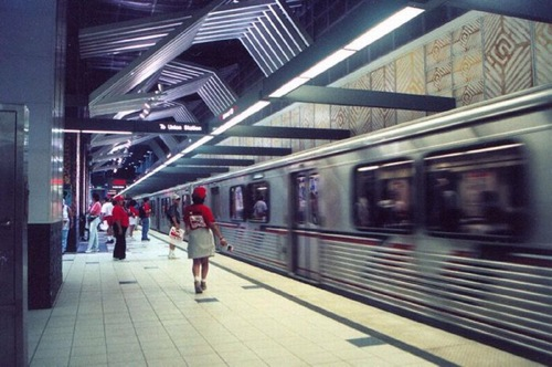 Los_Angeles_subway_Highland